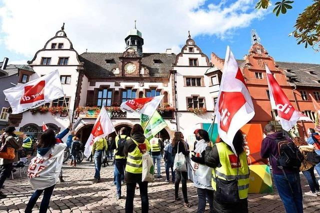 Rund 500 Streikende zogen am Mittwoch durch Freiburg