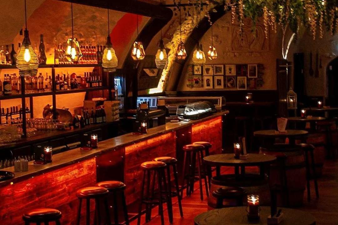 Man solle sich wie in einer spanischen...Klein über die neue Tapas-Bar El Toro.  | Foto: Privat