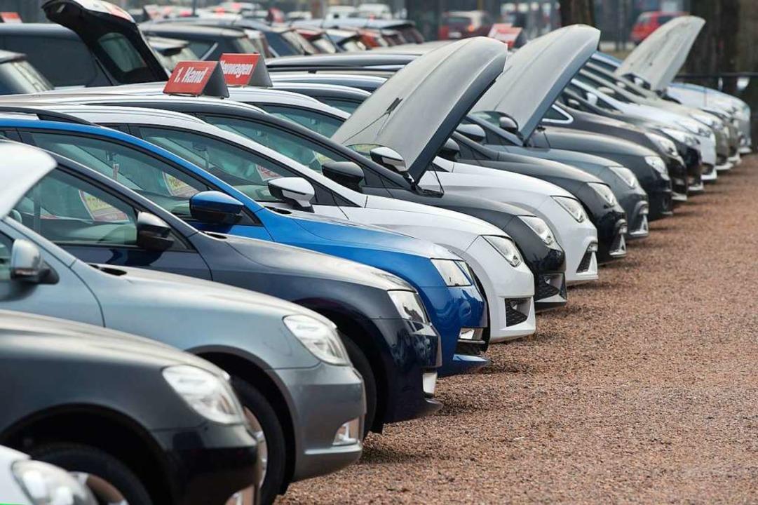 Die Zahl der selbstständigen Autohändl...mt weiter ab – auch in Südbaden.  | Foto: Sebastian Kahnert (dpa)