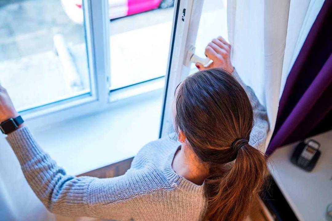 Fenster mit ausgeklügelten Scharnieren  | Foto: Christin Klose (dpa)