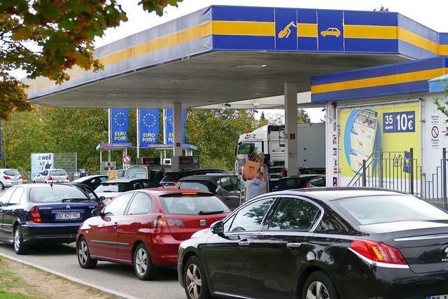 Franzosen fürchten Grenzschließung und kaufen in Breisach ein