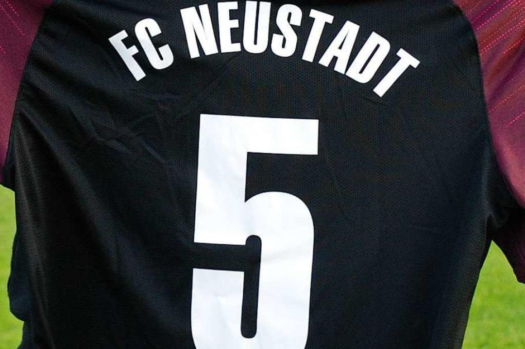 Die ersten Corona-Testergebnisse der b...er des FC Neustadt II   sind  negativ.  | Foto: Ruoff