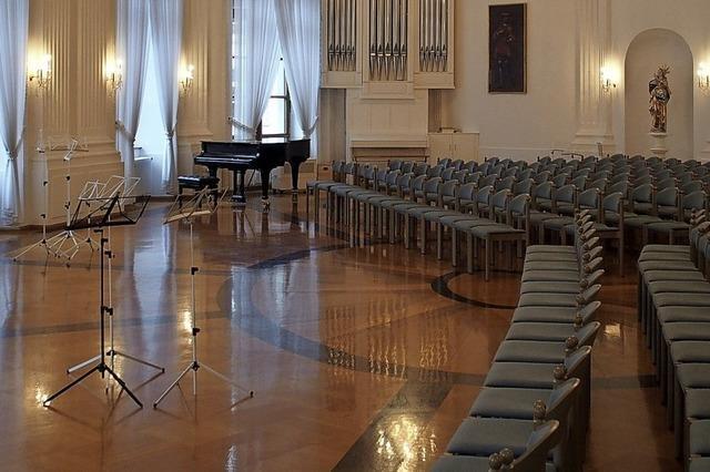 Im Festsaal wird meisterhaft musiziert