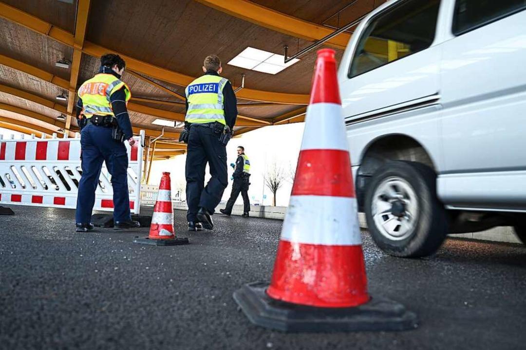 Geschlossene Grenzen wie im Frühjahr s...iet wird, fordern regionale Politiker.  | Foto: Felix Kästle (dpa)