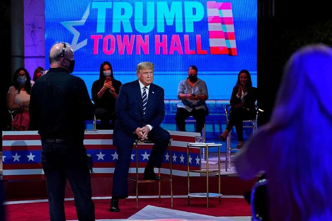 "US-Präsident Donald Trump bei der ""Townhall"" auf NBC  | Foto: Evan Vucci (dpa)"