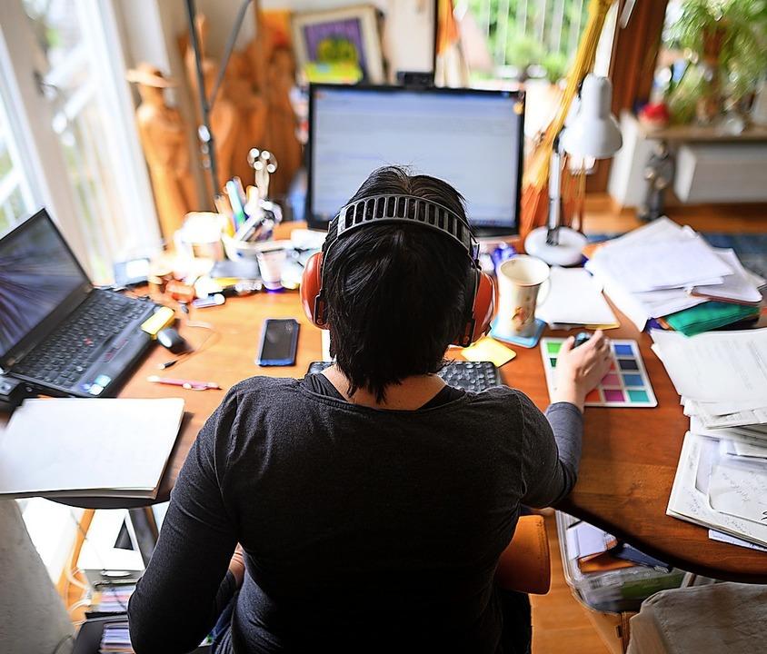 Die eigene Wohnung als Arbeitsplatz is...icht nur für Selbstständige ein Thema.    Foto: Sebastian Gollnow