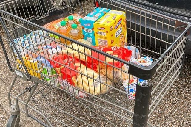 Keine Hamsterkäufe, aber mehr Betrieb – der Einkaufsfreitag im Dreiländereck