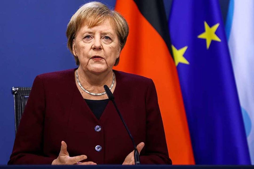 """Merkel: """"Gespräche jetzt einfach fortsetzen""""    Foto: Kenzo Tribouillard (dpa)"""