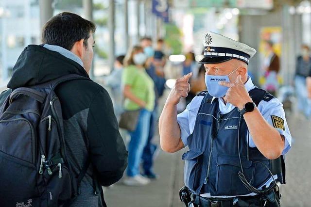 Freiburg verschärft Corona-Regeln: Mehr Maskenpflicht – weniger Feiern