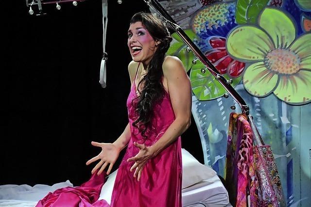 Camilla Kallfaß steht mit dem Musical