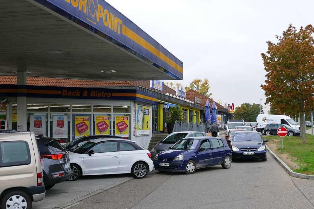 Für viele Elsässer ist Breisach aufgru...abakpreise ein beliebtes Einkaufsziel.  | Foto: Nicolai Kary