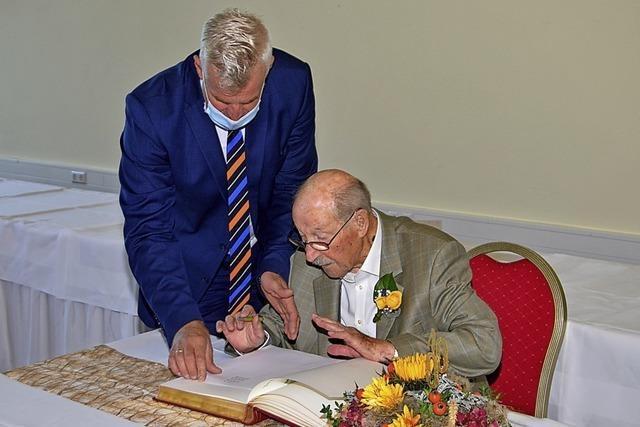 100 Jahre alt und noch immer voller Lebensfreude