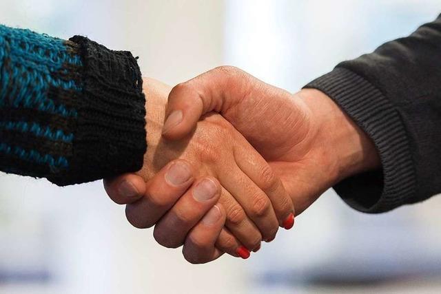 Mann lehnt Händeschütteln mit Frauen ab - keine Einbürgerung