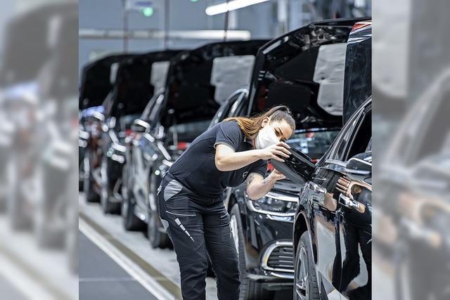 Daimler wieder mit Gewinn
