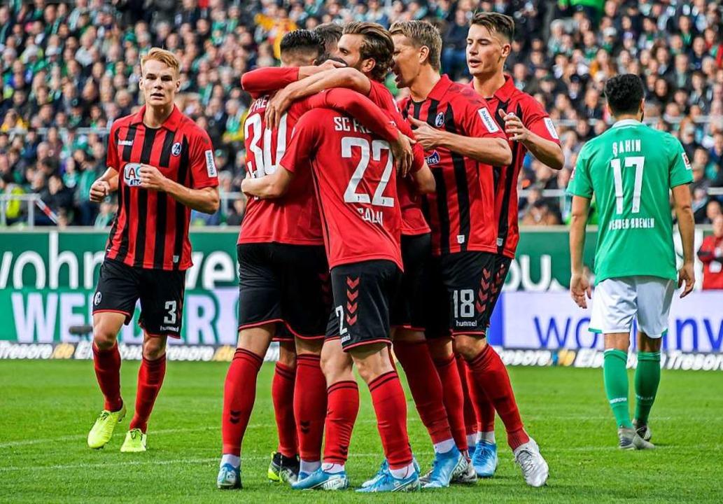 Am 2. November 2019 spielte der SC in ...ückennummer 22), der das 1:1 erzielte.  | Foto: Axel Heimken (dpa)