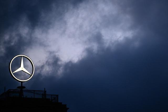 Beim Autobauer Daimler bleibt Sparen nötig