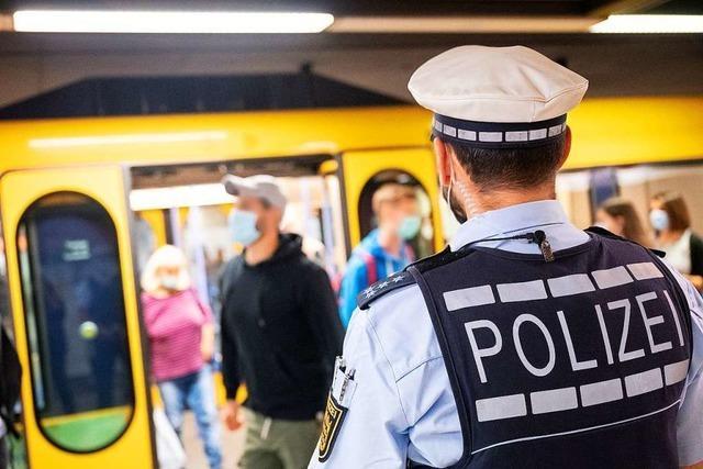 Pöbeln, spucken, anhusten – Polizei beklagt Konflikte wegen Corona-Regeln