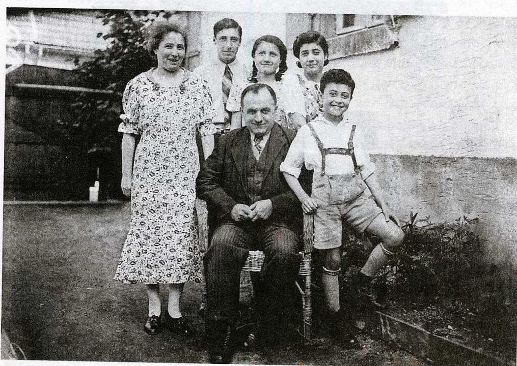 Die Familie Wildmann, rechts der kleine Manfred  | Foto: -