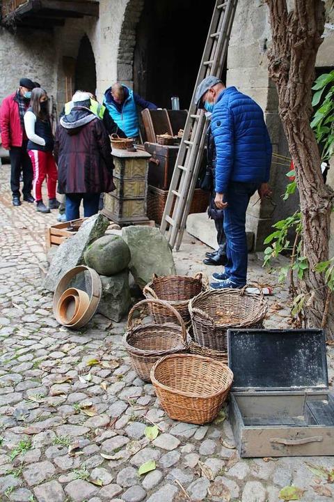 Für den Trödelmarkt hatten die Eigentü...böden und Werkstätten gefunden hatten.  | Foto: Reinhard Cremer