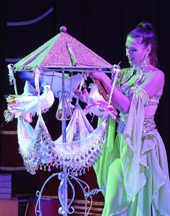 Zirkuskünstler aus Leidenschaft sind d..., der derzeit in Gündlingen gastiert.   | Foto: Christine Weirich