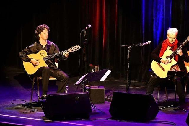Virtuose Nacht der Gitarren im Parktheater