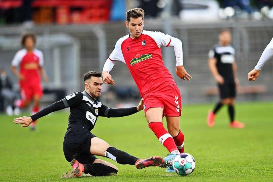 Sein achtes Saisontor reichte dem SC F...s Balingen: Marvin Pieringer (rechts).  | Foto: Achim Keller
