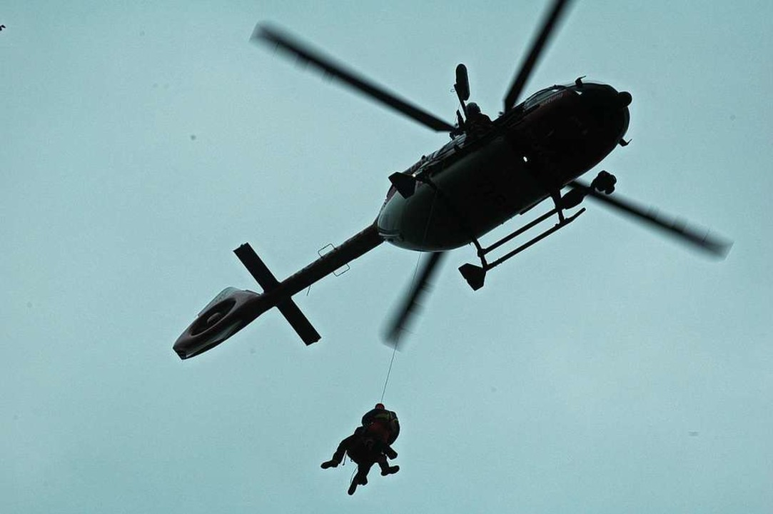 Was unter ihm geschieht, sieht der Pilot nicht.  | Foto: Jürgen Schelling