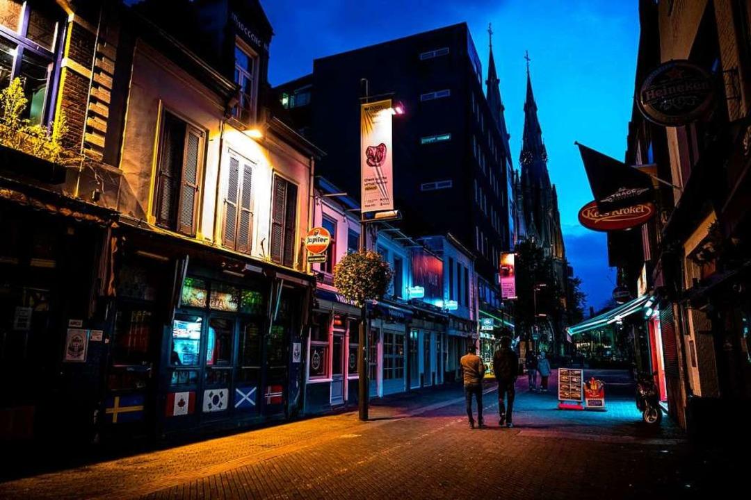 Wie in Eindhoven bleibt die Gastronomi...weiten Corona-Welle derzeit überrollt.    Foto: Rob Engelaar (dpa)