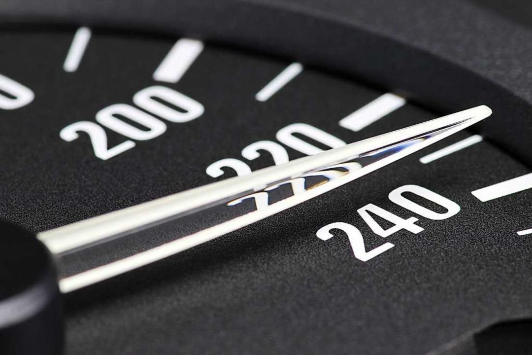 Einer der Fahrer wurde mit 235 Stundenkilometer unterwegs  | Foto: Björn Wylezich  (stock.adobe.com)