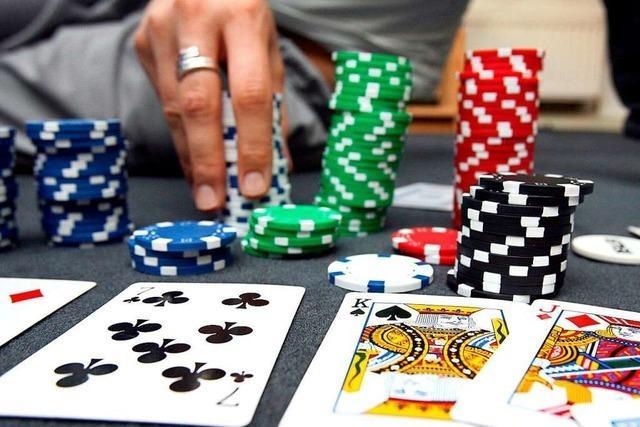 Polizei sprengt mutmaßliche illegale Pokerrunde in Lörrach