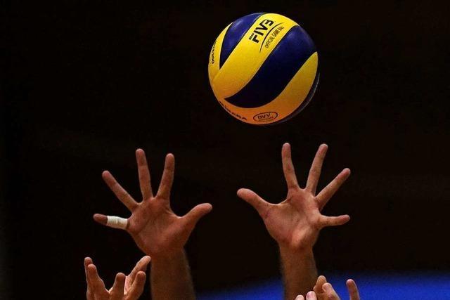Streit im Volleyball: Spielen oder Saison abbrechen?