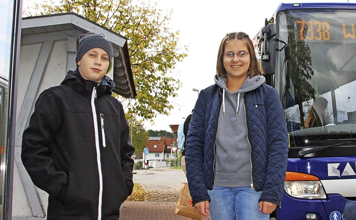 Den Wunsch nach weiteren Verstärkerbus...inks) und Magdalena Ebner aus Horheim.  | Foto:  Yvonne Würth
