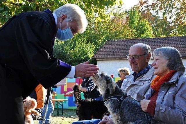 Ein evangelischer Pfarrer in Schliengen segnet auch Tiere