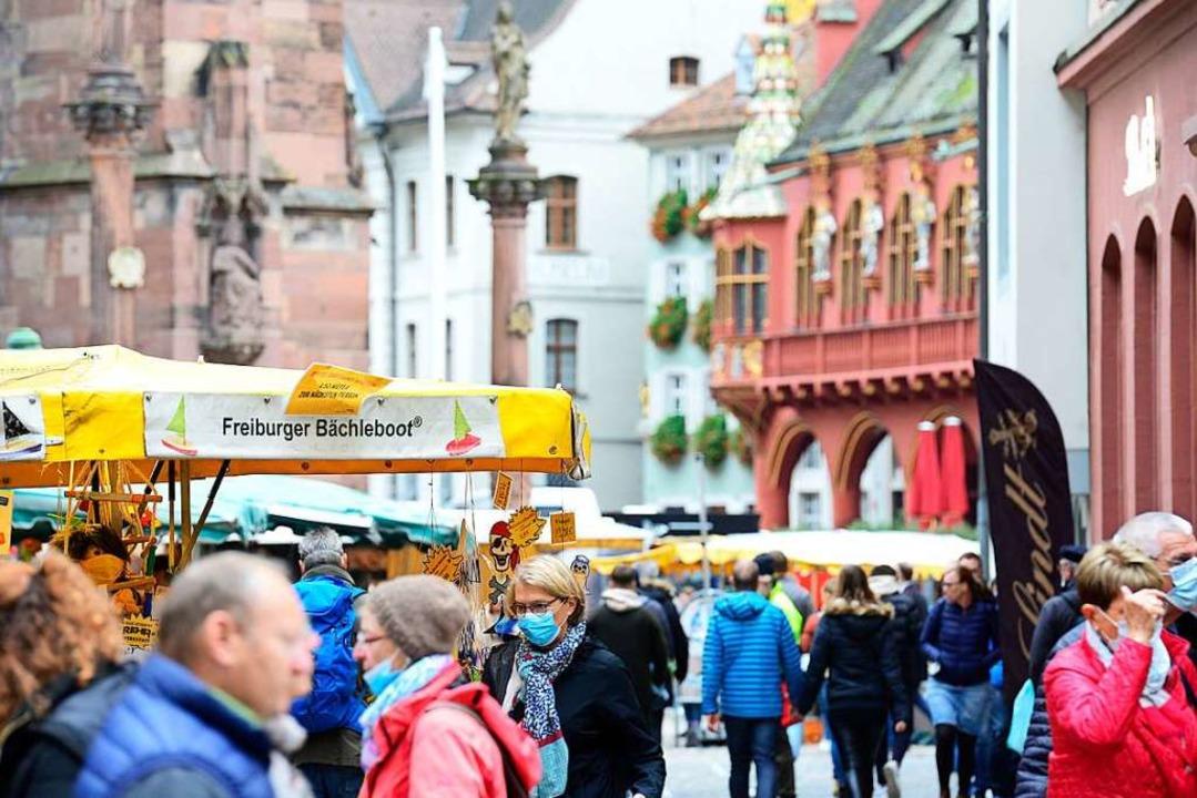 Das Tragen eines Mund-Nasen-Schutzes w...r-Joseph-Straße vorgeschrieben werden.  | Foto: Ingo Schneider