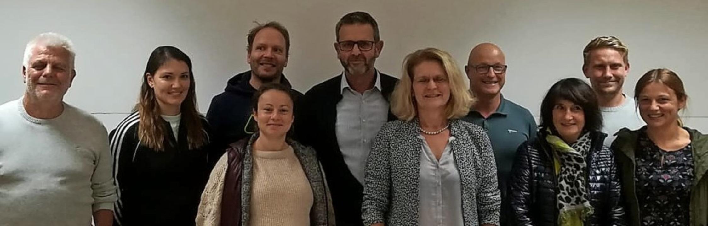 Der neue Vorstand des TC Munzingen (vo...aun, Florian Weiß und Rosalie Knobel.   | Foto: privat