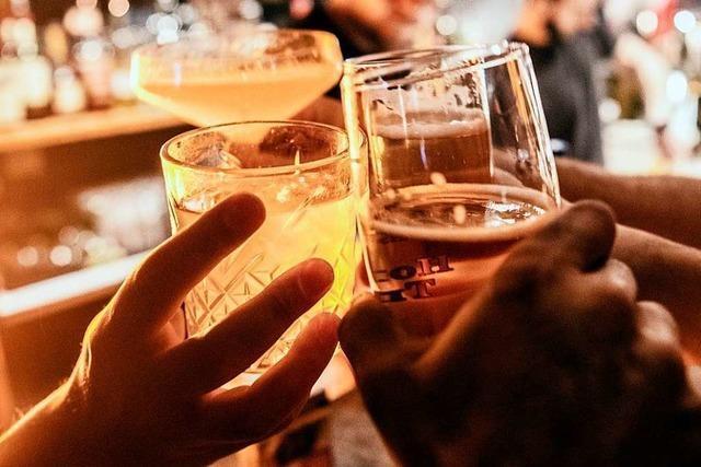 Corona-Hotspots müssen Sperrstunde für Gaststätten verhängen