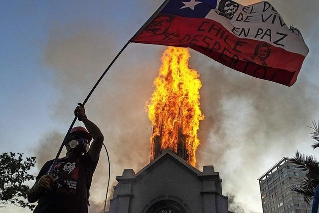 Nun brennen die Kirchen