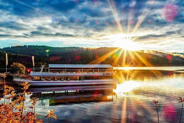 Der Schluchsee wird von der Oktobersonne verwöhnt