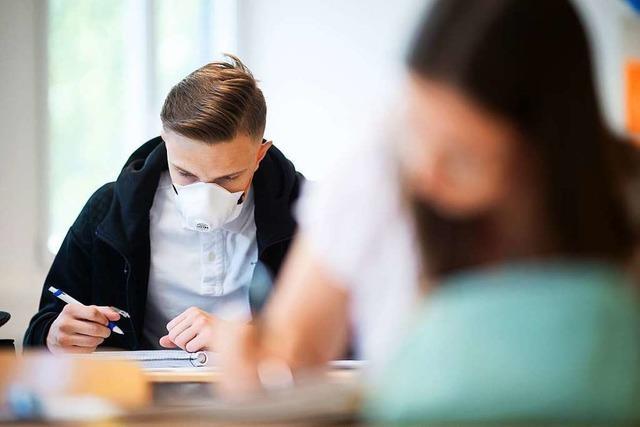 Lehrergewerkschaft fordert besseren Coronaschutz in den Schulen
