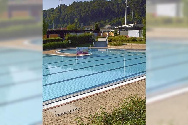 Nur 4800 kamen ins Rheinschwimmbad