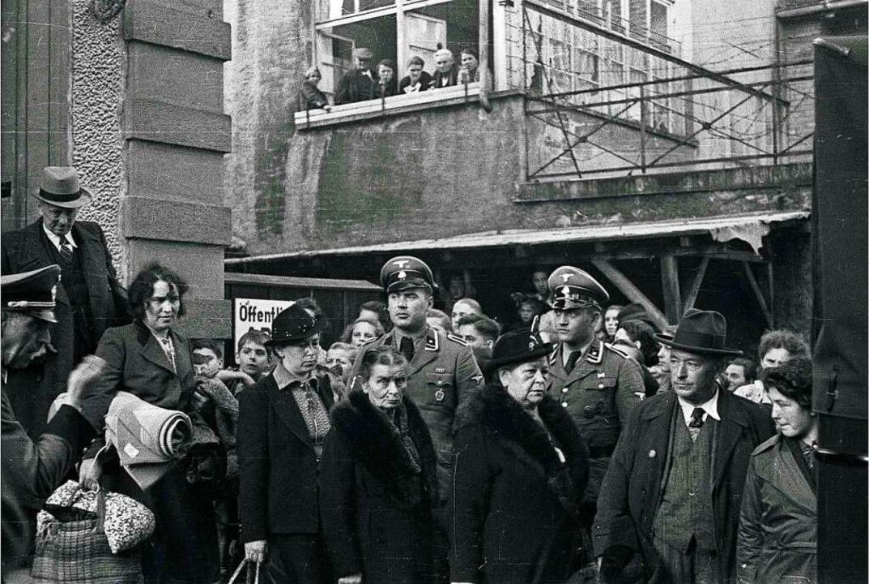 Unter den Augen der Lörracher wurden jüdische Mitbürger deportiert.     Foto: Stadtarchiv Lörrach