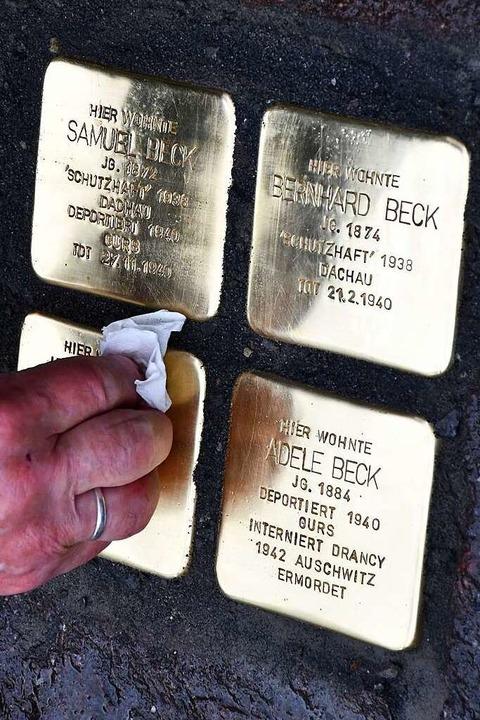 Stolpersteine für die Geschwister Beck in der Teichstraße  | Foto: Barbara Ruda