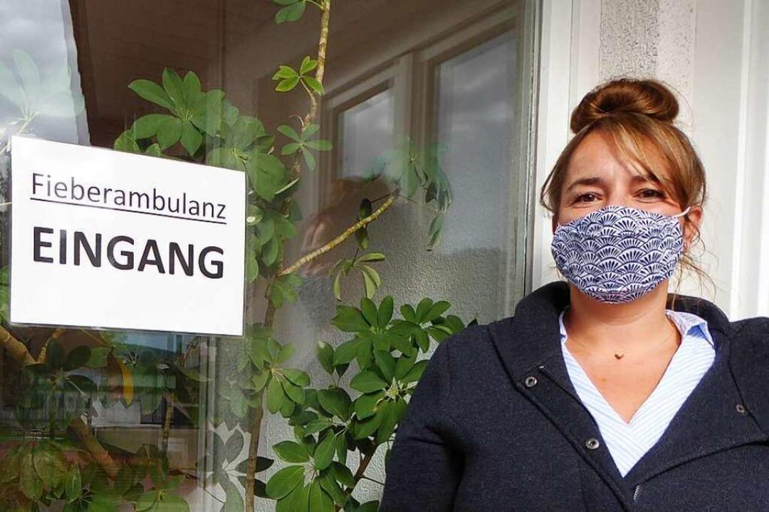 Maske ist Pflicht: Alexandra Zöllig  | Foto: Peter Stellmach