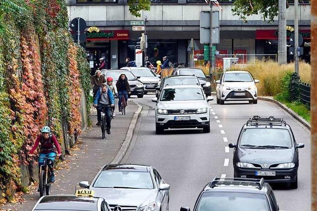 Fahrradspur am Freiburger Schlossbergring wird eingerichtet