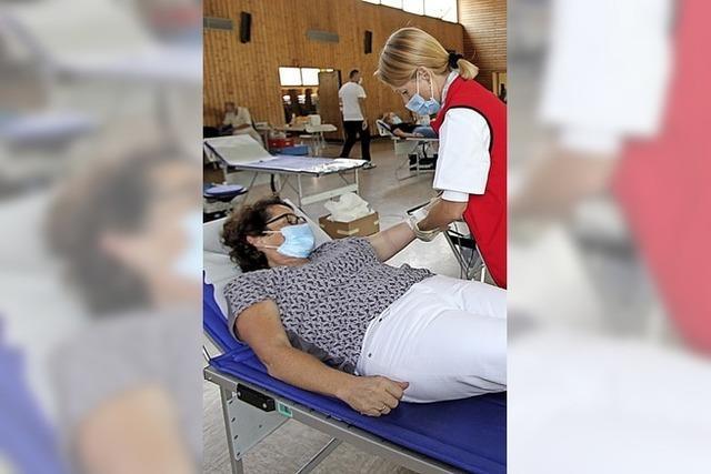 DRK bittet dringend um Blutspenden