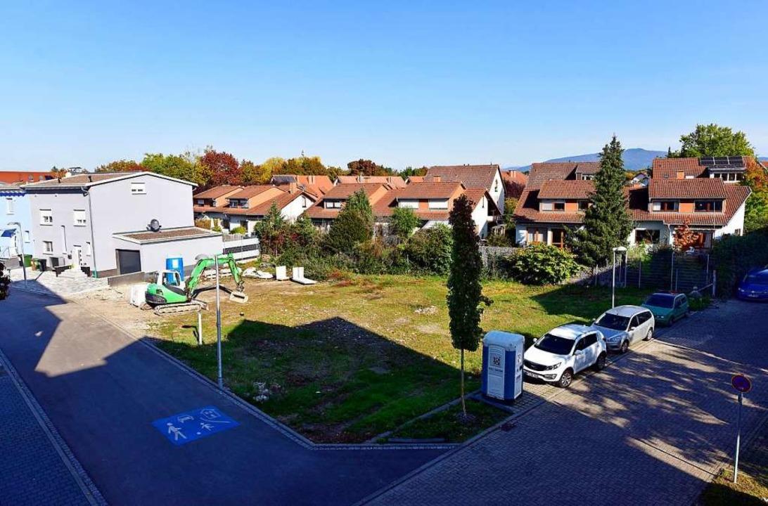 Auf diesem Grundstück auf dem Baugebie...fer Seniorenprojekt entstehen sollen.   | Foto: Thomas Kunz