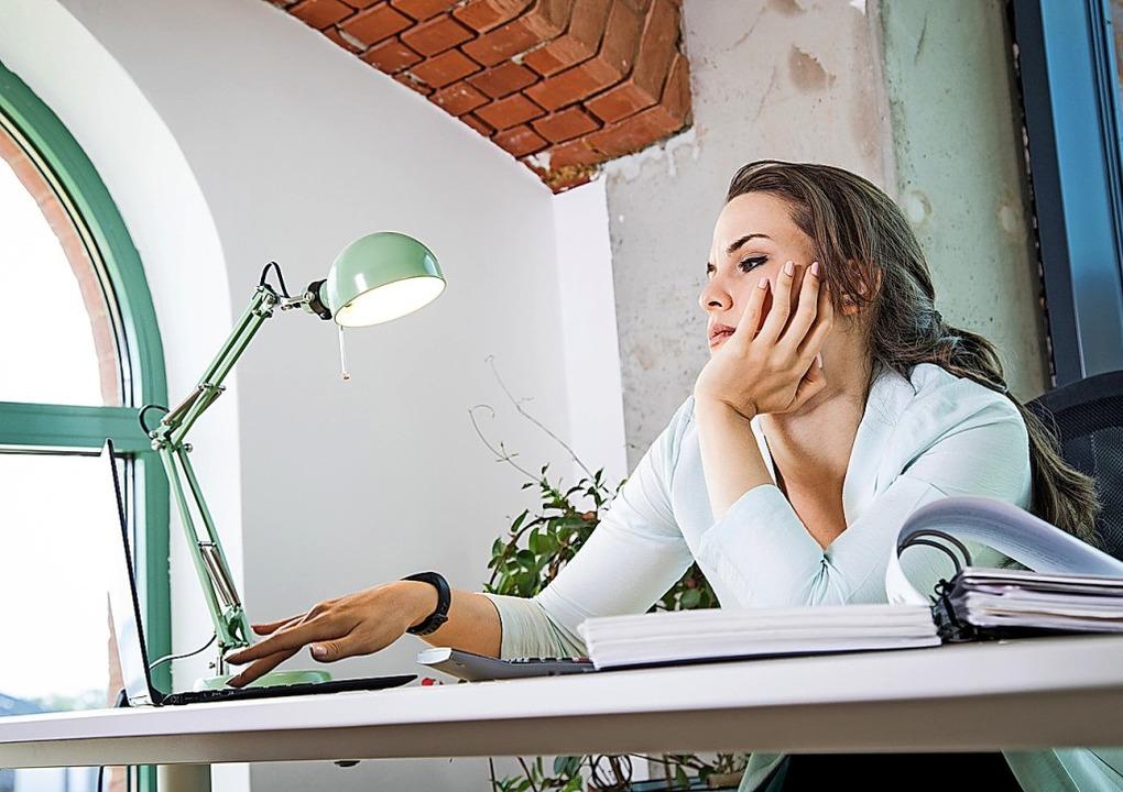 Routine im Job führt zu Langeweile und...n paar Veränderungen können da helfen.  | Foto: Christin Klose (dpa)