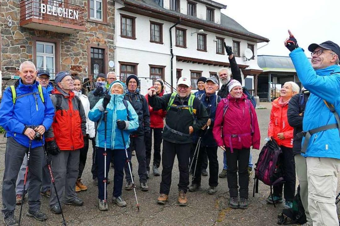 Gut gelaunt mit Meinrad Joos (7. von rechts) und Annette Franz (3. von rechts)  | Foto: Meinrad Grammelspacher