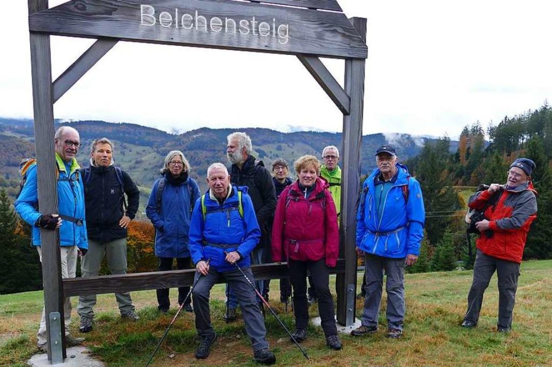 BZ-Card-Inhaber auf dem Belchensteig m...eisterin Annette Franz (4. von rechts)  | Foto: Meinrad Grammelspacher