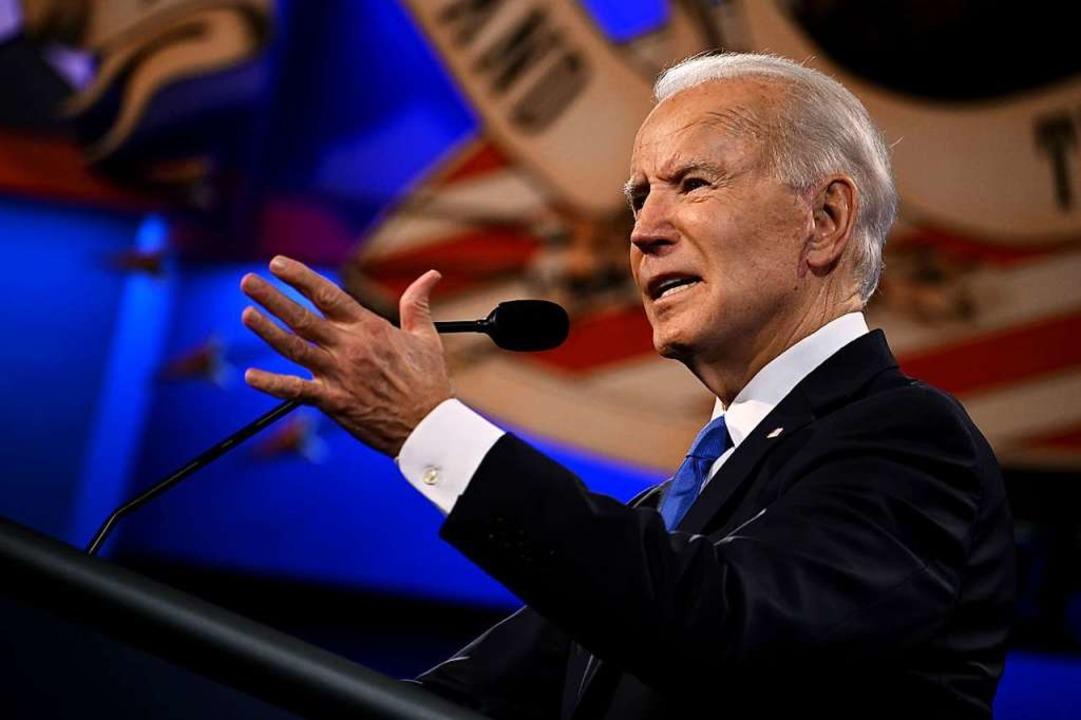 Joe Biden bei der zweiten und letzten ...ld Trump am Donnerstagabend (Ortszeit)  | Foto: JIM WATSON (AFP)